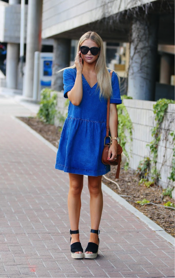 Cara Van Brocklin could not look more summery in this lovely denim dress. Sported with a pair of bold-black wedges and a simple bag, we could not love this look any more! Dress- ASOS Shoes/Sunglasses- Nordstrom Handbag- farfetch