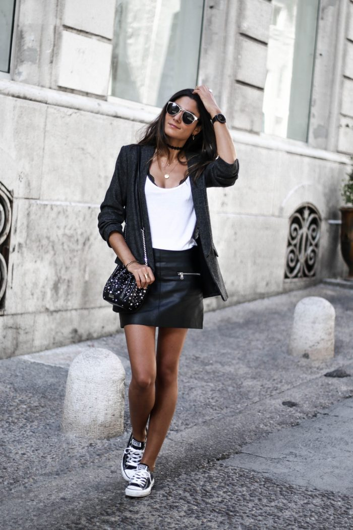 Wear a leather skirt to get that biker chick look which we all crave! Federica L. has kept to a sleek monochrome colour scheme in this blazer and skirt outfit, paired with classic black converse. Blazer: Zara, Skirt: Mango, Shoes: Converse.