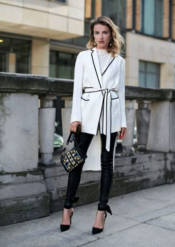 Julietta Kuczyńska looks super sleek with a dressing gown blazer in classic Parisian inspired monochrome. The minimal slingback heels and leather pants top off her cool and confident oufit. Love. Shoes: ZARA, Jacket & Blouse: ZARA, Pants: Denimbox, Ring Swarovski, Bag: Parfois