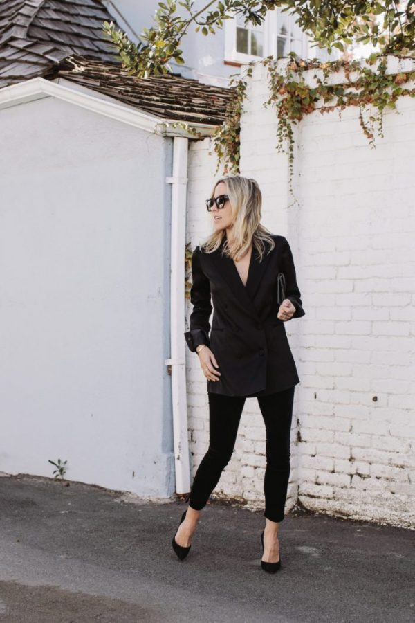 Jacey Duprie is sleek, smart, and sexy in this beautiful velvet two piece suit, worn with black stilettos for an overall striking look. Throw on a pair of shades to create the perfect daytime winter style! Outfit: Rag & Bone.