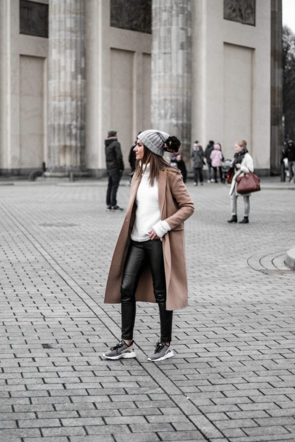 Winter Looks, 1