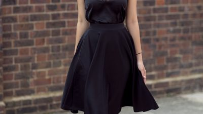 30 Cute Black Dress Outfits – How To Wear A Black Dress